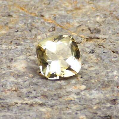 GOLDEN BERYL-BRAZIL 0.91Ct FLAWLESS-NATURAL YELLOW GOLD COLOR-SMALL RING SIZE