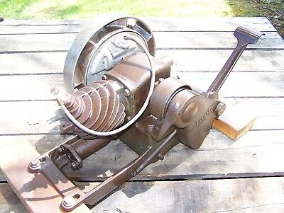 Old MAYTAG Model 92 Single Cylinder Air Cooled Hit Miss Gas Wash Machine Engine
