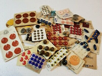 Lot Of Assorted Antique Vintage Buttons Very Old One Pound Lot 2