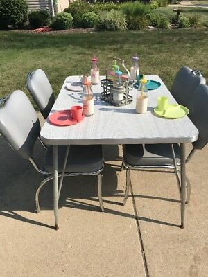 RETRO KITCHEN TABLE AND CHAIRS Ladd Chairs Grey Table