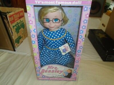 New In Box Mrs. Beasley With Cheryl Ladd Voice