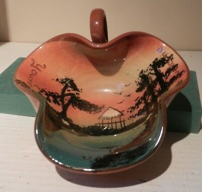 Watcombe bon bon dish with African landscape