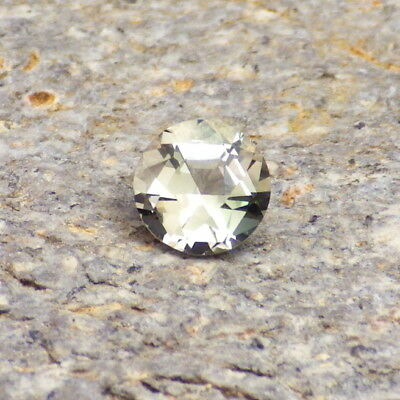 GOLD-PINK GREEN OREGON SUNSTONE 0.72Ct FLAWLESS-UNIQUE CUT-SMALL RING SIZE