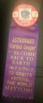 Astonaut Gordon Cooper Welcome Home From Space Pin Pinback Button  Dated Rib