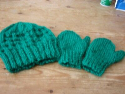 brand new hand knitted forest green hat mittens set 0/3 months girl or boy