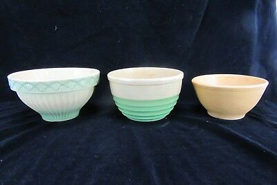 """Three Mid-Century Glazed Earthenware mixing bowls, 8.5"""", 7.5"""", and 7"""" diameter"""