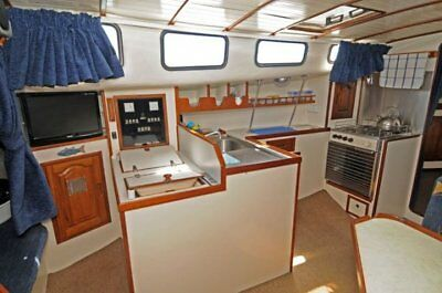 boat - liveaboard cruiser you wont believe