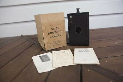 Vintage Box Brownie 1917 - 1934 No. 2c Camera Eastman Kodak original box w/ inst
