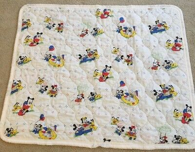 Vintage DUNDEE vintage Disney Mickey And Minnie Baby Quilt