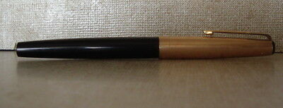 Vintage Parker 17 Black & Gold Fountain Pen