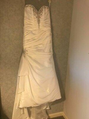 Wedding Dress Size 8 Alfred Angelo Excellent Condition