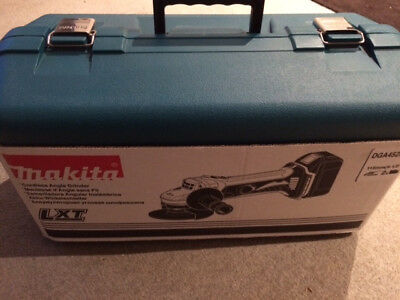 Makita 18v cordless grinder kit DGA452RFE incl 2 batteries, charger and case