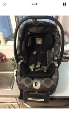 Peg Perego Primo Viaggio Infant Car Seat with snap and go carrier