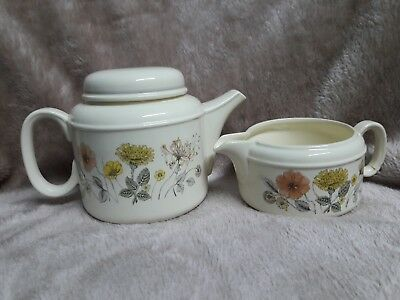 J&G Meakin vintage teapot + milk jug. Hedgerow pattern.