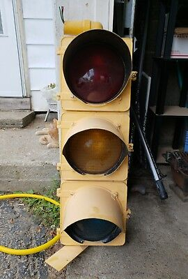 Yellow Crouse and Hinds Stoplight