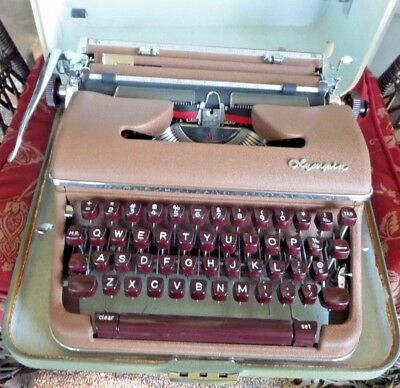 Olympia West German Portable Typewriter & Case Made in West Germany