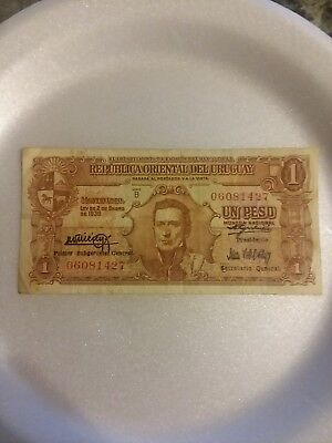 1939 URUGUAY 1 Peso Banknote World Money This is REAR to own
