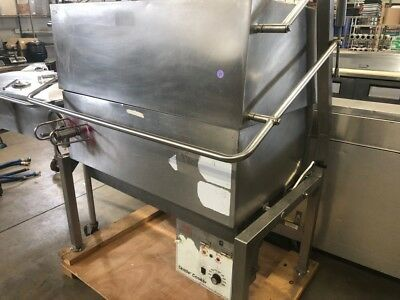 Gas Braising Tilt Skillet Priced Low For Quick Sale!