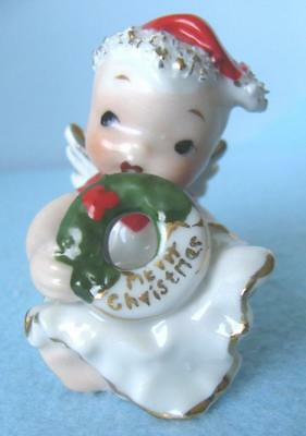 TINY VINTAGE LEFTON CHRISTMAS BABY ANGEL FIGURINE in SPAGHETTI TRIM & WREATH