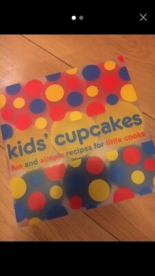Kids Cupcakes Childrens Baking Set 12 Silicone Cake Moulds Recipe Book New