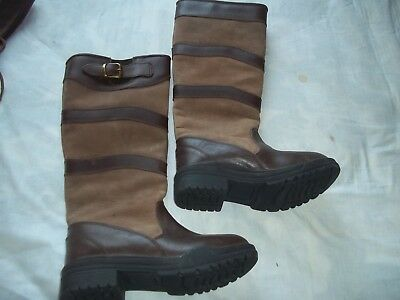 Horse riding yard boots .
