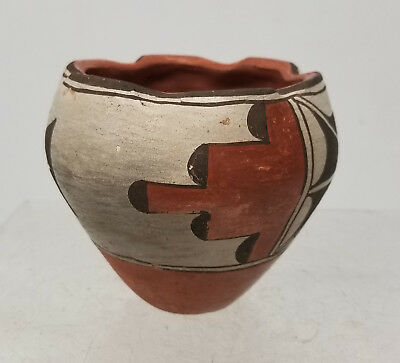 Antique Vintage SouthWestern Native American Indian Pueblo Pot Painted
