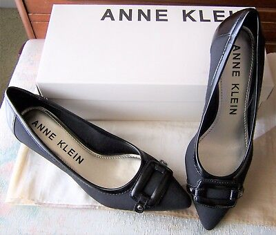 040fea7025e Anne Klein  melanie  Black Pointed Toe Kitten Heel Fabric Pumps Sz 7.5 ...