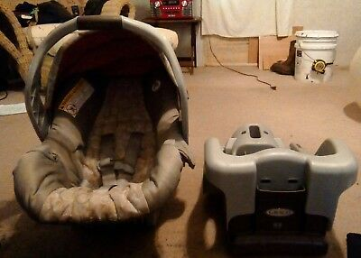 Graco 1965899 SnugRide 30 Click Connect Front Adjust Car Seat Finch with base