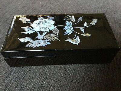 Lacquered jewellery box with mother of pearl embellishments NWOT Unwanted gift