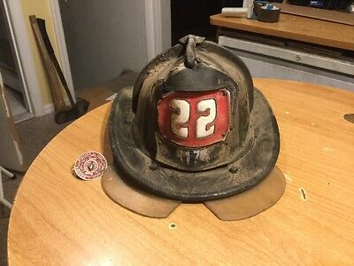 Vintage Cairns & Bros FDNY Leather Firemans Helmet Ladder Company 22