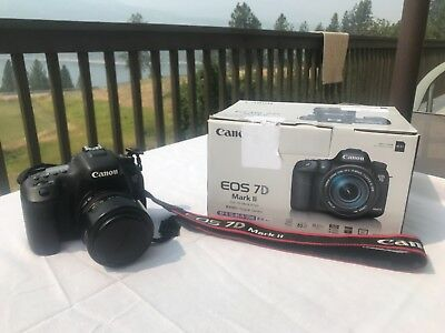 Canon EOS 7D Mark II 20.2MP Digital SLR Camera Low Shutter Count - Black w/Lens