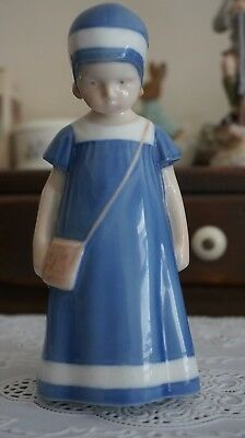 "VINTAGE B&G Bing & Grondahl Figurine ""Girl with Purse"" #1574, Denmark"