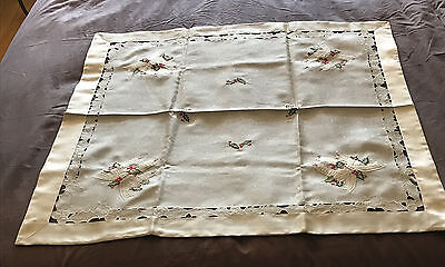 "Christmas Table Cloth 32"" Square REDUCED Shimmery BOUGHT IN ITALY NWOT SHPS FREE"