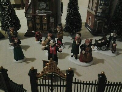 Lot of 4 Department 56 Christmas in the City Lighted Houses with 4 Accessories