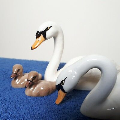 Beswick Swan Family - 2 Swans And 2 Cygnets