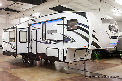 New 2018 Cobalt 30RLT Rear Living Room 5th Fifth Wheel For Sale With Auto Level