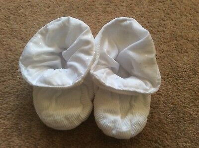 Vintage 1990s  pram shoes booties padders ivory white 3 - 6 months
