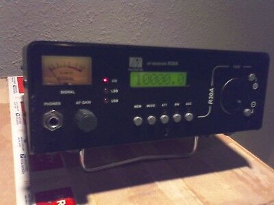 Palstar R30A Shortwave Receiver Has AM CW USB LSB Can Go Table Top or Portable!