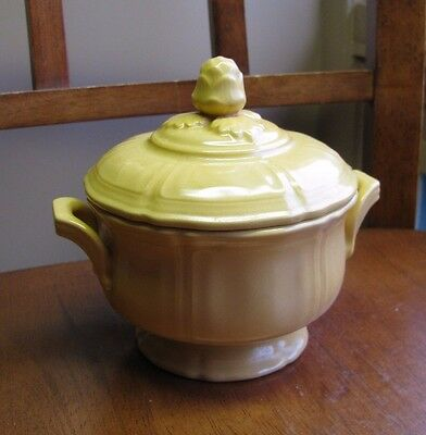 Mustard Yellow FEDERAL Shape Scalloped Artichoke Finial Covered bowl Soup Sugar