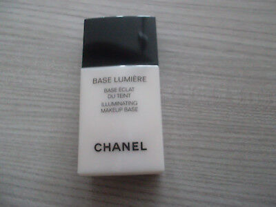 base lumiere chanel