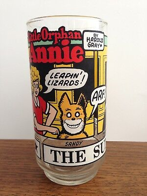Vintage 1976 LITTLE ORPHAN ANNIE THE SUNDAY FUNNIES Drinking Glass NEW YORK NEWS