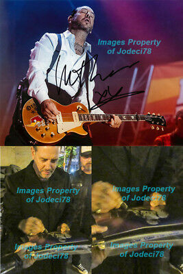 *SOCIAL DISTORTION* Mike Ness Signed 8x10 Concert Photo EXACT Proof JSA COA