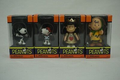 Lot of 4 NIB Peanuts Poseable Halloween Figures Lucy Snoopy & Charlie Brown