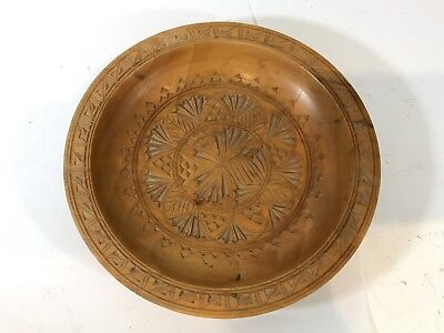 Vintage Hand Carved Turned Wooden Bowl / Dish Collectable Treen Woodware