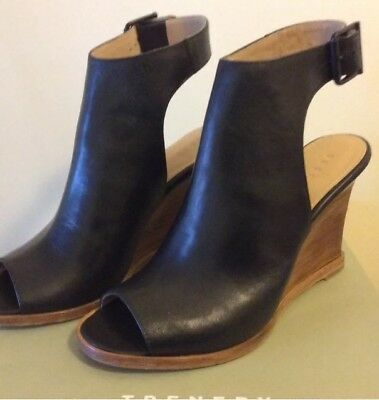 NEW Trenery Kathleen wedge 38