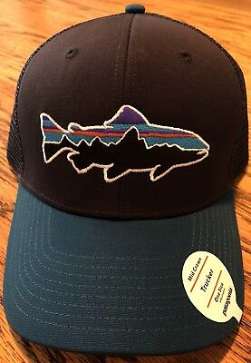 8a6626738b3e2 PATAGONIA Men s Mid Crown Trucker Hat - Fitz Roy Two Tone Blue One Size  Fits All