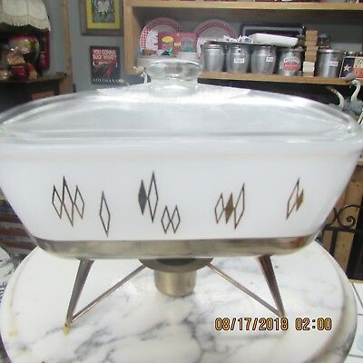 Rare Vintage Pyrex Triangle Baking Dish On Stand
