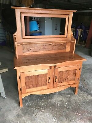 Antique reproduction Wash stand