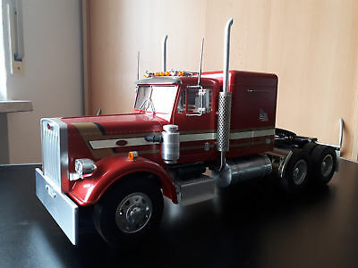 RC King Hauler in rot mit Anhänger