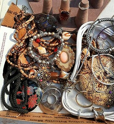 NICE 1lb VINTAGE TO NOW JEWELRY LOT ESTATE  UNSEARCHED UNTESTED. ALL WEARABLE!